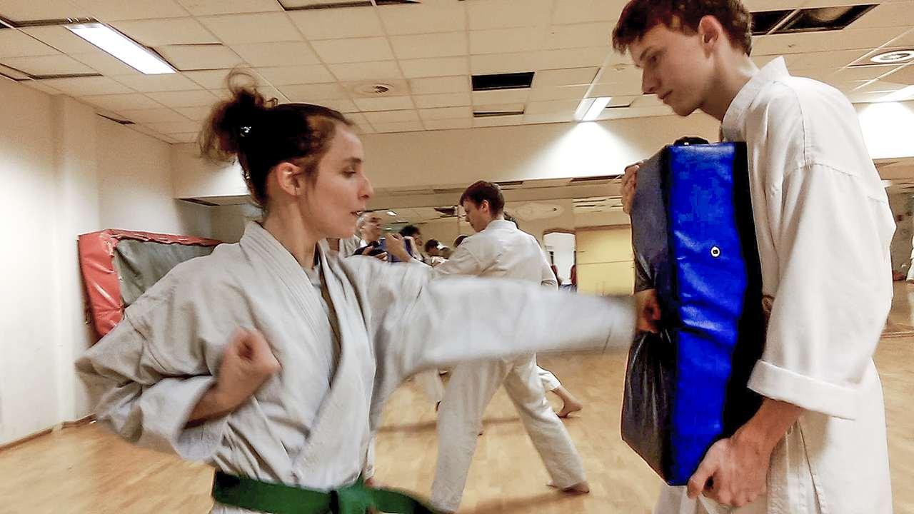 Oslo-Karate-selvforsvar-jente